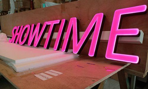 Neon reclame look